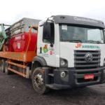 Equipamento para transporte de Resíduos Sólidos em caçambas próprias.